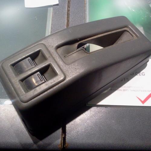 1992-2003 Suzuki Swift - Elektromos ablakemelő kapcsoló és kézifék box A 2 kapcsoló és a kézifék box egyben. 13000Ft
